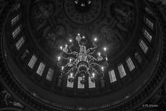 Chandelier (plvision) Tags: london londres stpaul cathedral church cathdrale glise greatfire350 greatfireoflondon night stpaulslater stpaulscathedral architecture chandelier lustre roof toit plafond dtails details