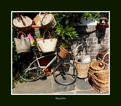 Bicaclette (Chti-breton) Tags: vlo bicyclette panier cabas vannerie boutique