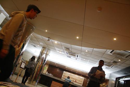 バングラデシュのワシントンホテルのフロント