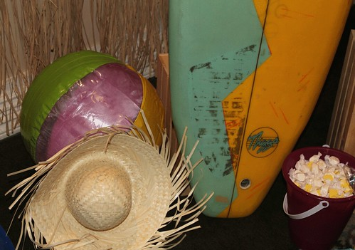 picture-surboard-props