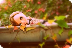 Grace in the gutter (*claires) Tags: canon doll very blythe gutter vicky