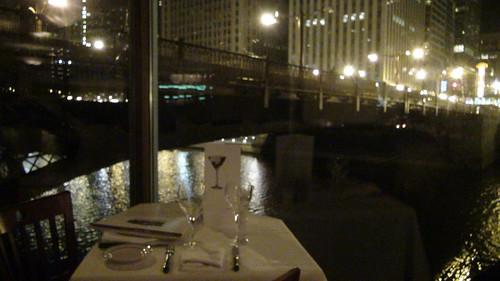 Mesas con vistas al río