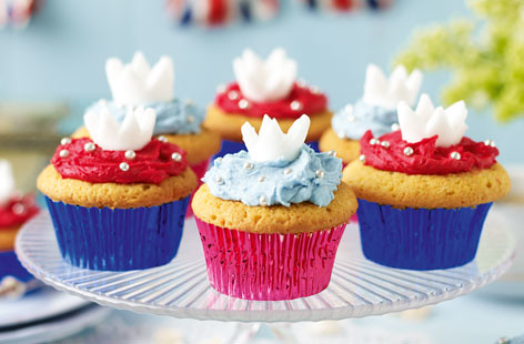 5602991636 7d64d33575 Royal Wedding, British Cupcakes for Prince William and Kate Middleton   Or the Queens Jubilee!