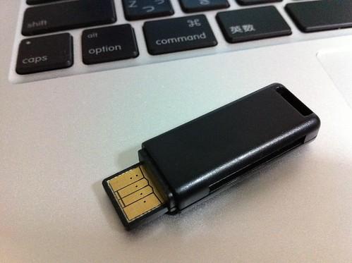 USBカードリーダー蓋なし