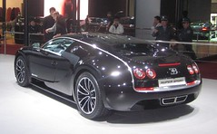 BUGATTI VEYRON SUPER SPORT IN SHANGHAI (livingingermanyagain) Tags: auto show china new car sport shanghai style grand super ps 1200 spotted carbon limited edition bugatti luxury supercar 1000 spotting desing stylish w16 veyron supersport v16 2011 merveilleux