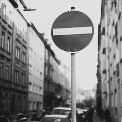 (Martin Gommel) Tags: street blackandwhite bw 6x6 contrast germany schild stop sw schwarzweiss karlsruhe kontrast 1x1 quadrat quadratisch img1934