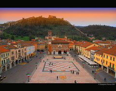 "Italy 2011..Marostica (Vicenza) ""the square of the chess"" (FIORASO GIAMPIETRO ITALY....) Tags: travel sunset italy landscapes europe italia natura excellent viaggio vacanza vacanze vicenza emozioni veneto greatphoto panorami ladscapes theworldwelivein flickrsbest fioraso kartpostal giampietro canoneos50d canon50d platinumphoto colorphotoaward aplusphoto goldcollection holidaysvacanzeurlaub flickraward flickrdiamond overtheexcellence viagginelmondo alwaysexcellent artofimages sensationalphoto scattifotografici fiorasogiampietro updatecollection bestcapturesaoi yourwonderland obramaestra theoriginalgoldseal"
