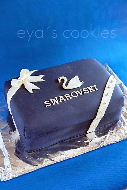 swarovski cake1