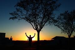 Mais uma etapa cumprida (DeniSomera) Tags: sunset pordosol sol contraluz cores homem mudança finaldodia novosrumos chapecósc gettyimagesbrasil