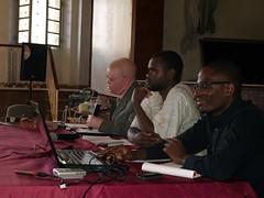 P1010038 (quintas de debate) Tags: presidente de do no debate quintas analise 050511 discurso mpla omunga