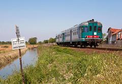 FS ALn668 1846 + 1805 (maurizio messa) Tags: railroad railway trains railcar bahn lombardia mau ferrovia treni pavese automotrice micette aln668 nikond90 triebzuge aln6681800 r4658
