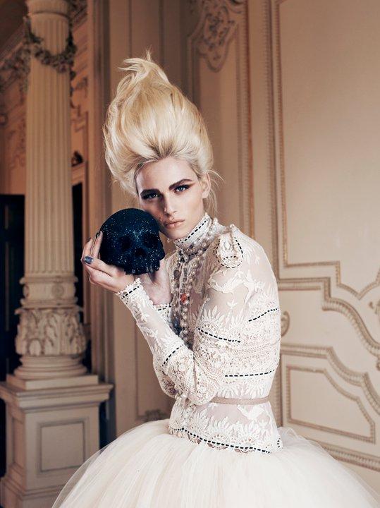 Andrej Pejic0326_ J'Aton Couture_Ph Emily Abay