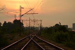 Ukrtanje (St.Devic) Tags: sun station setting traintrack zalazaksunca pruga sunce novibeograd newbelgrade