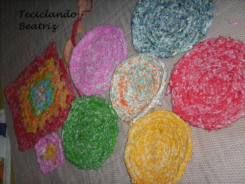 Croche com tiras de retalho by Teciclando artes em tecidos