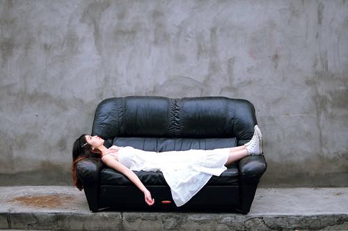 無料写真素材, 人物, 女性  アジア, 女性  横たわる・寝転ぶ, ワンピース・ドレス