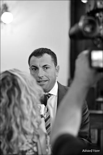 Entrevista al cap de l'oposició by ADRIANGV2009