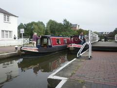 Gran Union Canal - Fenny Stratford (DarloRich2009) Tags: boats miltonkeynes lock mandarin mk grandunioncanal bletchley narrowboats canalboats fennystratford fennylock fennystratfordlock