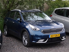 New Kia Niro (harry_nl) Tags: netherlands nederland 2016 vinkeveen kia niro kd128p sidecode9