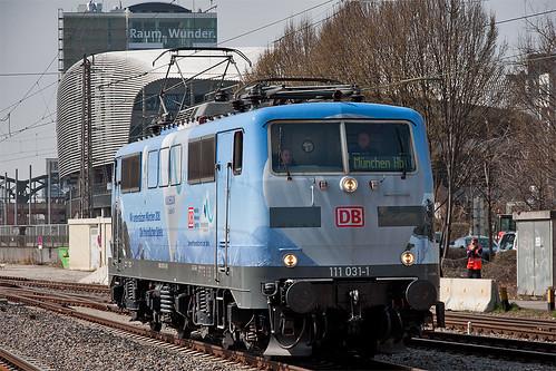 111 031 am Vorfeld des Münchner Hauptbahnhofs