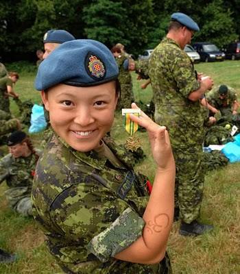 Military_Women_17
