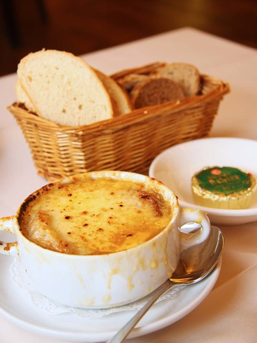 Traditional French Onion Soup ($16++)