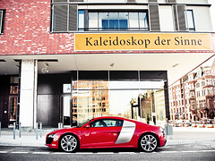Audi R8 V10 (nbb_photo) Tags: street city red architecture modern spring amazing colours hamburg wideangle olympus hh colourful elegant audi hafen coupe speicherstadt v10 coup hafencity r8 extravagant e420 nbbphoto