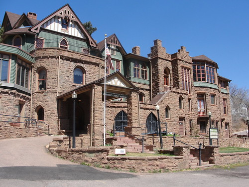Miramont Castle