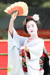 Maiko in the spring Odori festa (Teruhide Tomori) Tags: travel girl beautiful japan dance kyoto traditional maiko    kimono pontocho chizu