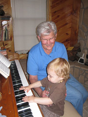 Play piano with MomMom