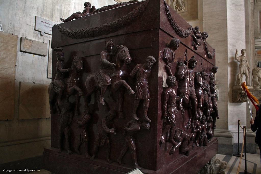 Sarcophage de Sainte Hélène