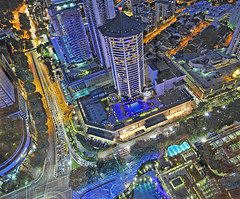 Heart of Orchard Road – Aerial View from ION Sky (williamcho) Tags: pool town singapore malls aerial topaz residences mariott orchardroad d300 shawhouse fareastplaza shawcentre scottsroad kartpostal flickraward shoppingbelt flickrestrellas nikonflickraward williamcho ionsky orchardresidences flickrtravelaward