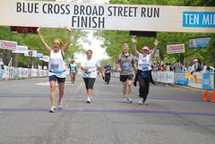 DBF_4692 (Independence Blue Cross) Tags: philadelphia race community marathon running health runners bsr philly broadstreet ibc dailynews bluecross 2011 ibx broadstreetrun independencebluecross 10 bluecrossbroadstreetrun ibxcom ibxrun10 miler