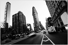 (Ky.Lo) Tags: city nyc newyorkcity trip travel winter light shadow urban blackandwhite bw usa white ny newyork black building america grey town us blackwhite nikon cityscape unitedstates manhattan unitedstatesofamerica wideangle tokina  flatironbuilding 2009  biancoenero d300        atx116 1116mmf28 1116f28
