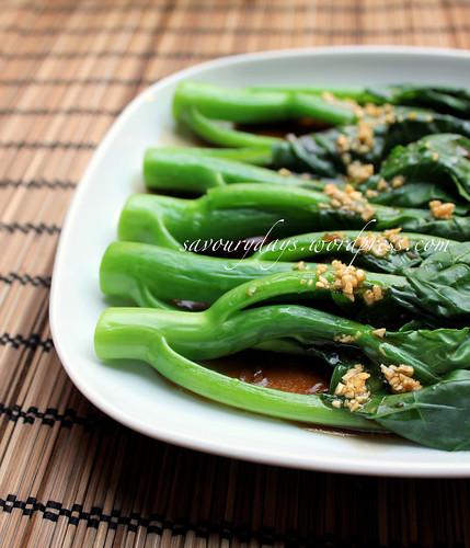 Chinese broccoli & oyster sauce (Cải làn sốt dầu hào)