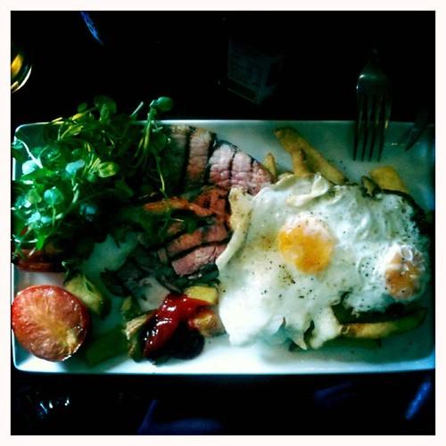 <span>edimburgo</span>Edimburgo - Pranzo<br><br>Per la prova costume e' perfetto!<p class='tag'>tag:<br/>viaggio | cibo | edimburgo | </p>