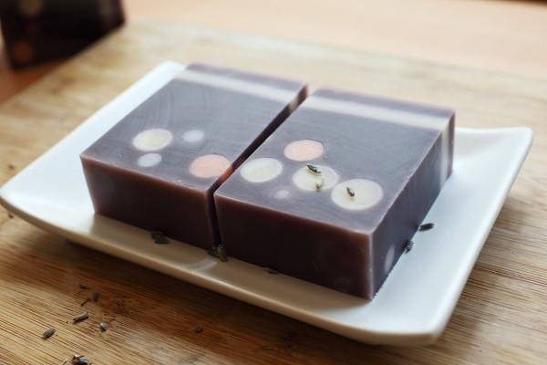 泡泡紫草皂