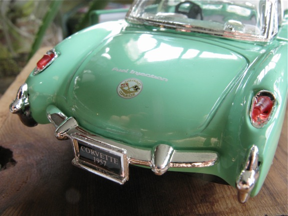 mint green 1957 corvette 003