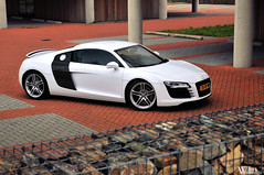 Audi R8 (Bart Willemstein) Tags: auto white black building cars netherlands car office nikon cross photoshoot automotive cs nikkor process audi hoofddorp r8 fotoshoot nieuwvennep bartw d300s autogespot autogespotcom bartwillemsteinnl
