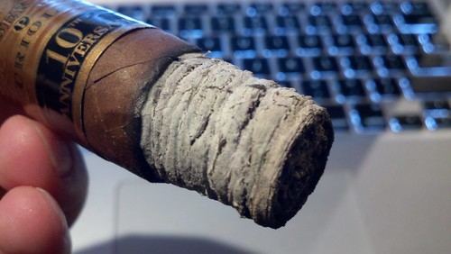 Wish all cigars burned this well. @PerdomoCigars 10th Anniversary Criollo