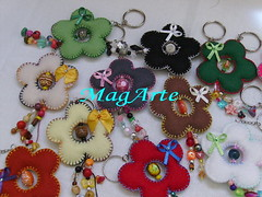 Chaveiros flor (MagArte) Tags: enfeites feltro presente chaveiros