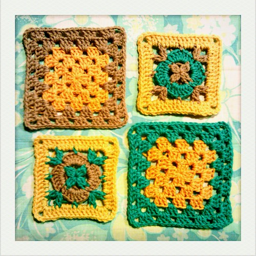 granny square tutorial part 2: how to adjust the size of your granny squares