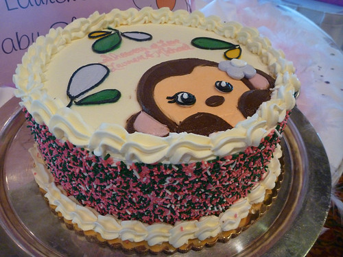 monkey cake with whipped cream frosting (yum)