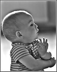 Je pratique le Tai-chi-chuan / Practicing my Tai-chi-chuan (bEOSien87) Tags: portrait baby canon french eos noiretblanc franais bb sigma105mm 550d