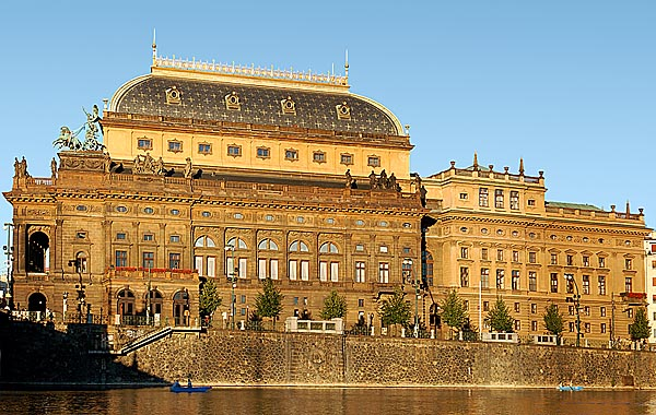 The National Theatre Prague(picturesfromprague.com)