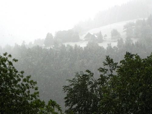 Neige sur les pentes de Cohennoz le 1er juin
