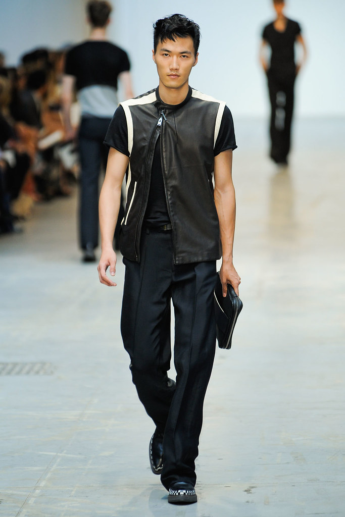 SS12 Milan Costume National Homme027(VOGUEcom)