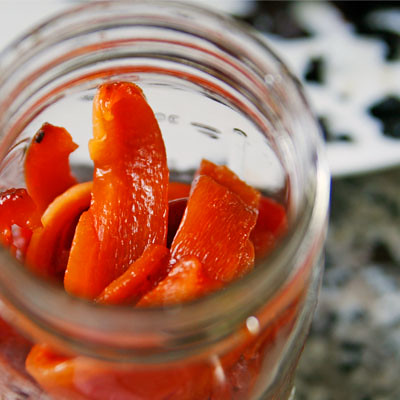 roasted red peppers in jar2
