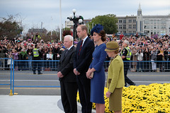 #RoyalTour 2016 kicks off in Victoria (BC Gov Photos) Tags: royaltour dukeandduchessofcambridge britishcolumbia victoria parliamentbuildings