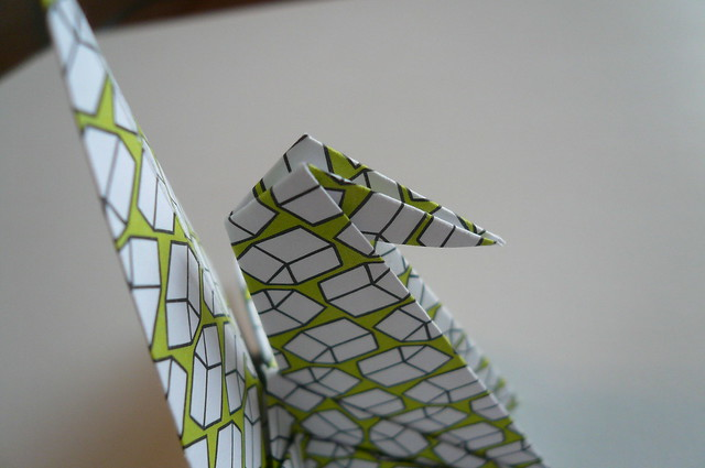 CRAFTS // HOW TO MAKE ORIGAMI CRANES - YouTube tutorial | Origami ... | 425x640