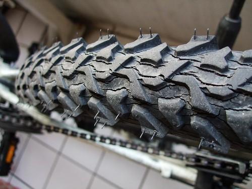 小灰進化論-02 輪胎龜裂